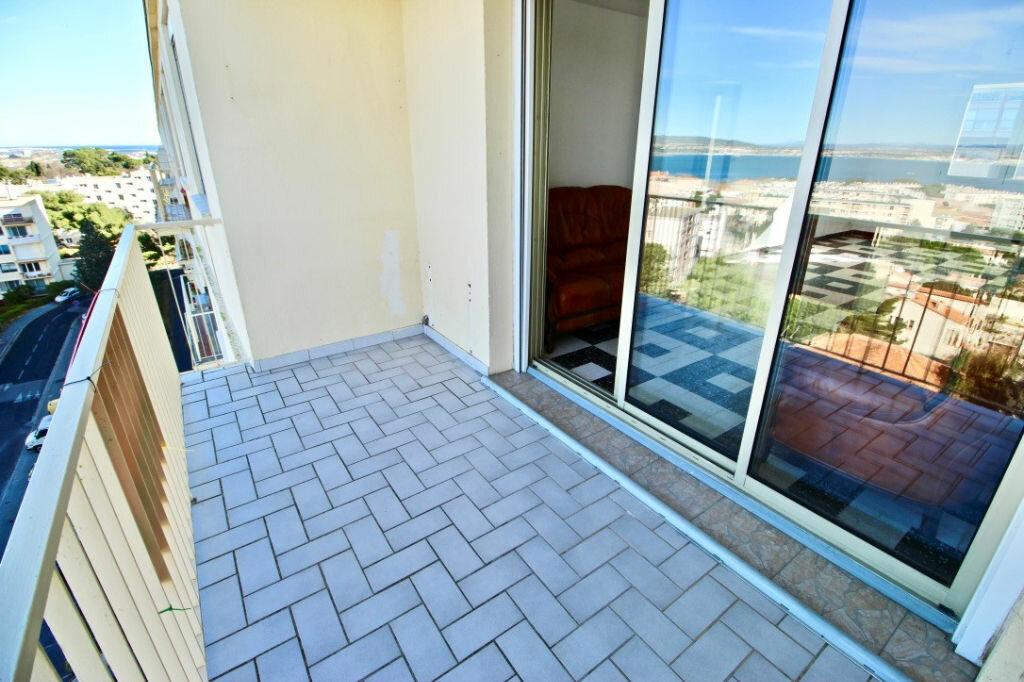 Appartement à louer 3 67.85m2 à Sète vignette-12