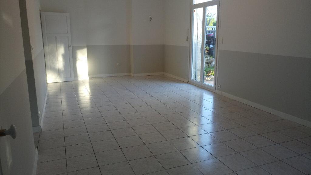 Appartement à louer 3 88.49m2 à Lattes vignette-6
