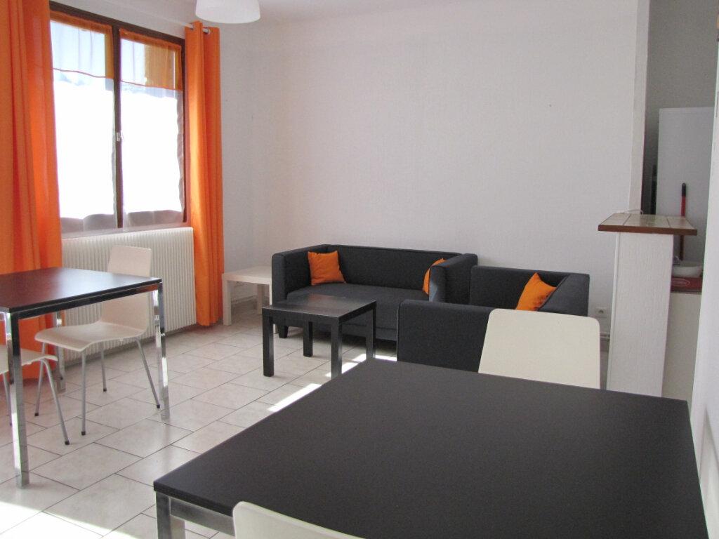 Appartement à louer 3 66.81m2 à Montpellier vignette-1