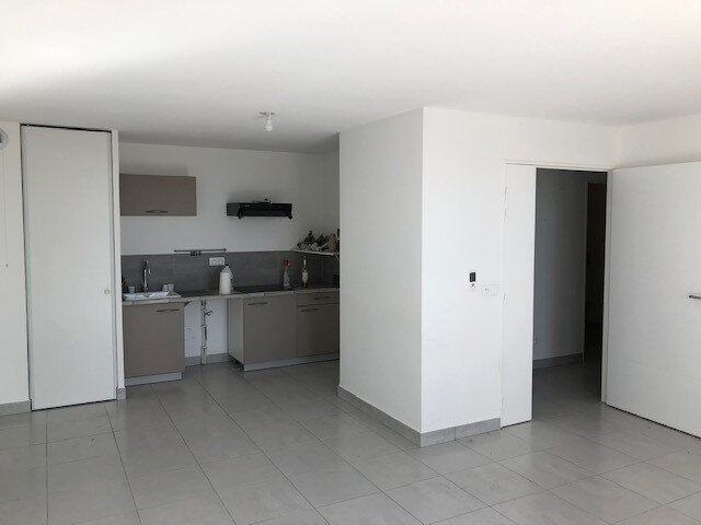 Appartement à louer 2 53.82m2 à Villeneuve-lès-Maguelone vignette-2