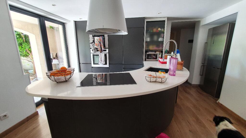 Maison à vendre 6 170m2 à Castelnau-le-Lez vignette-3