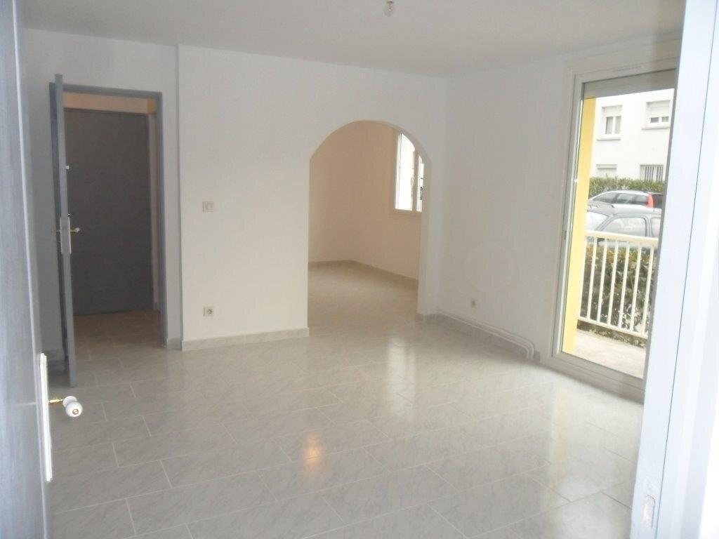 Appartement à louer 4 73.71m2 à Montpellier vignette-3