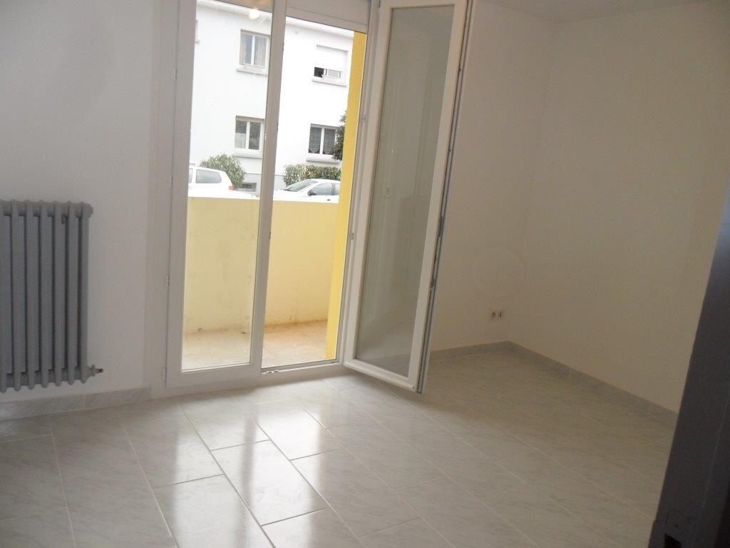 Appartement à louer 4 73.71m2 à Montpellier vignette-5