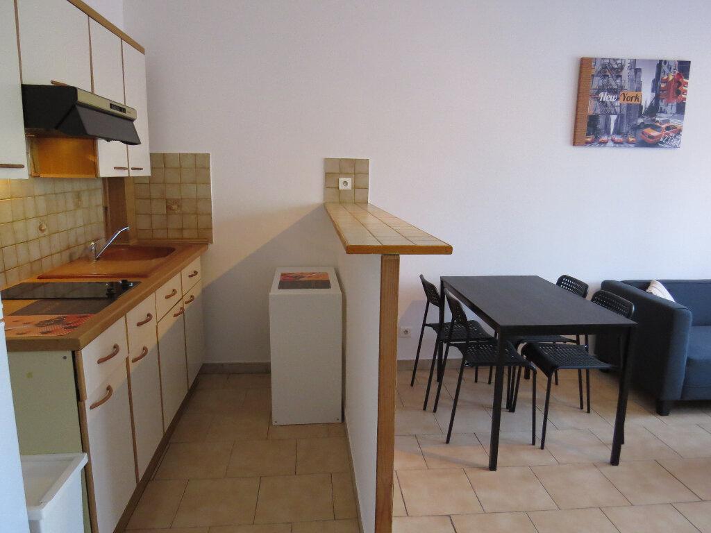 Appartement à louer 2 50.76m2 à Montpellier vignette-2