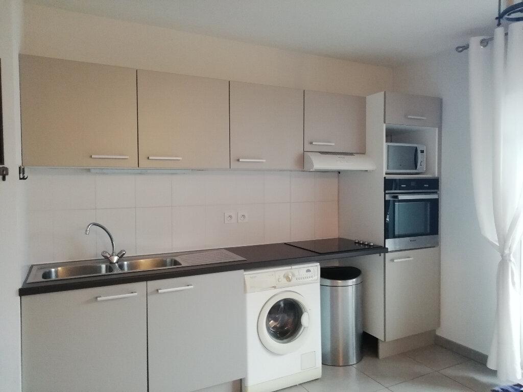 Appartement à vendre 3 64.7m2 à Montagnac vignette-4