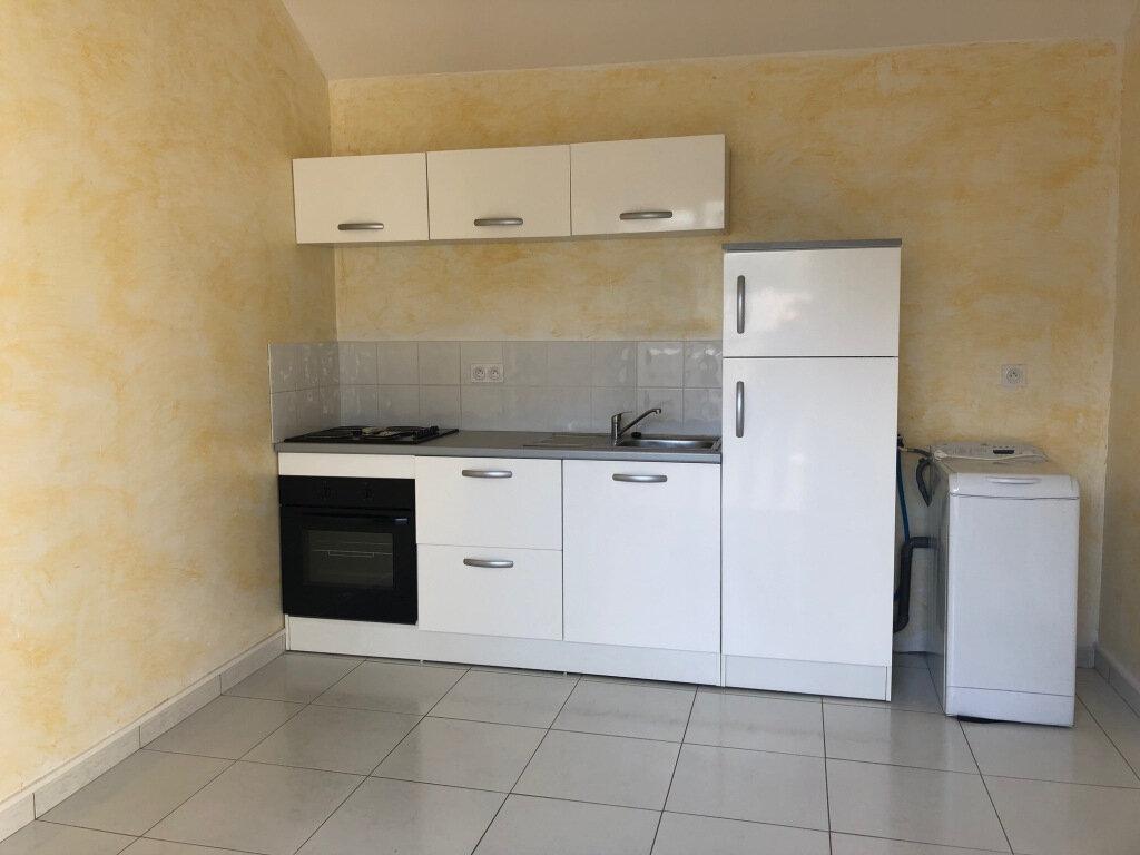 Appartement à louer 2 24.75m2 à Balaruc-les-Bains vignette-3