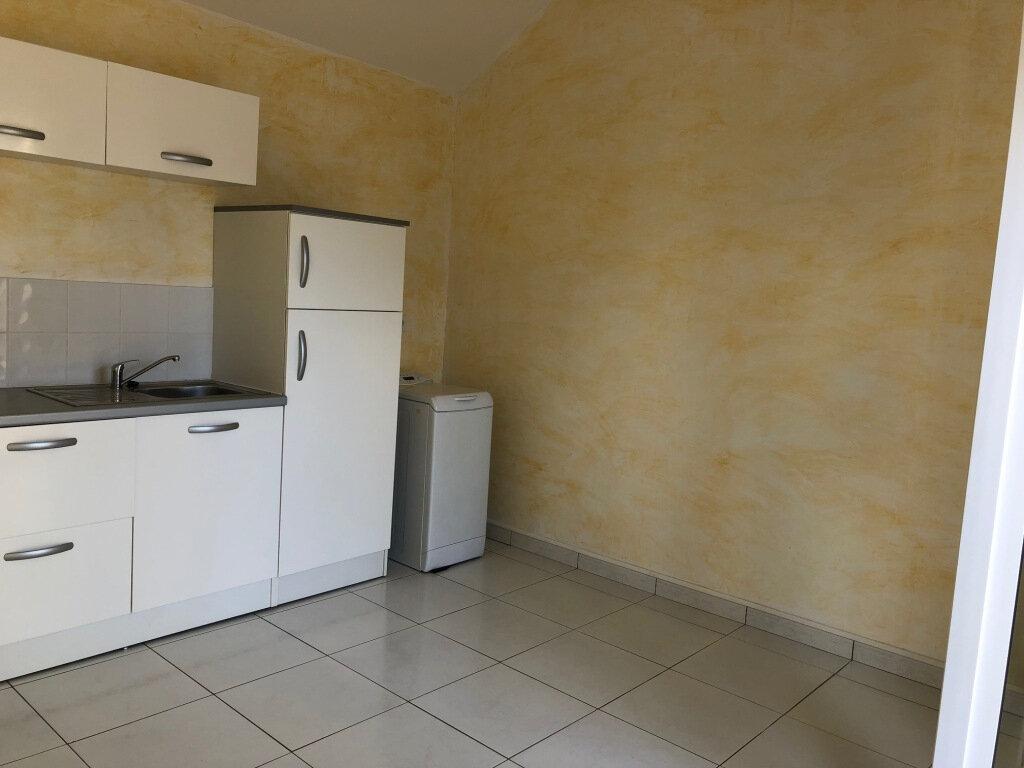 Appartement à louer 2 24.75m2 à Balaruc-les-Bains vignette-4