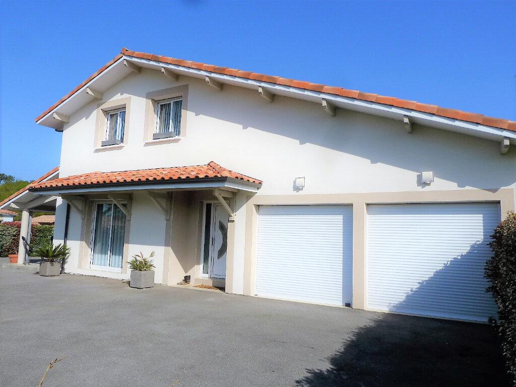 Maison à vendre 4 134m2 à Saint-Julien-en-Born vignette-1