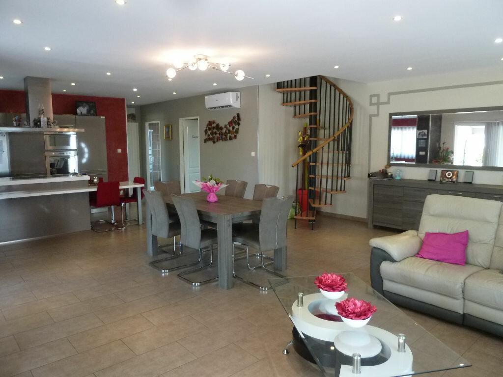 Maison à vendre 4 134m2 à Saint-Julien-en-Born vignette-3