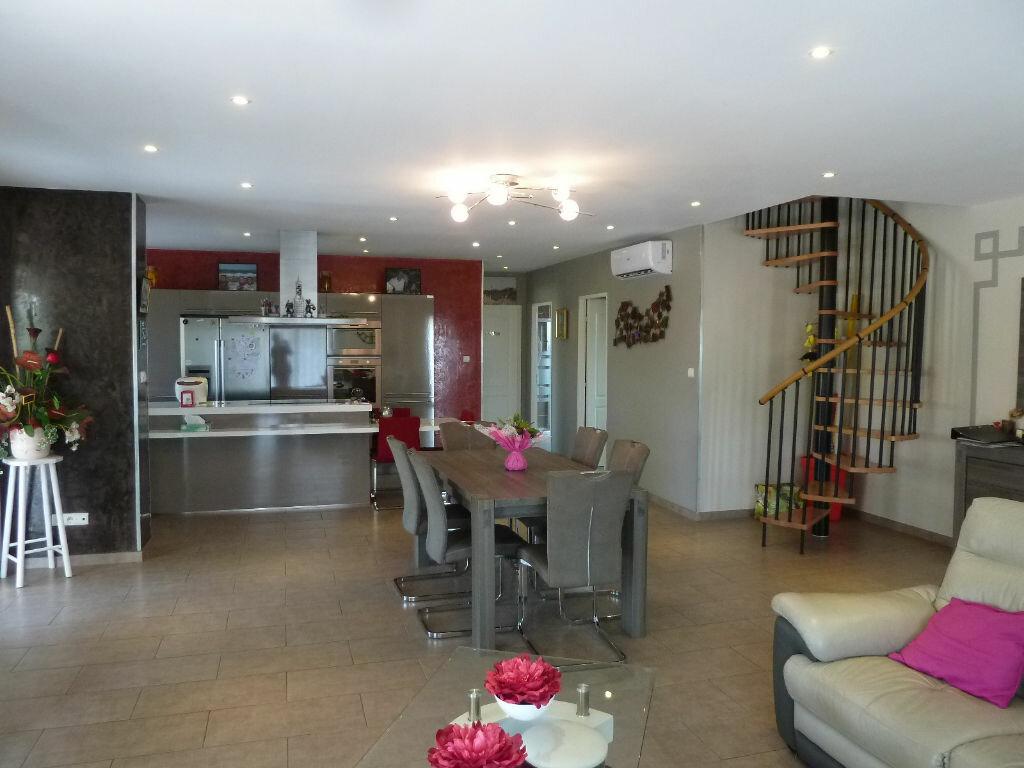 Maison à vendre 4 134m2 à Saint-Julien-en-Born vignette-4