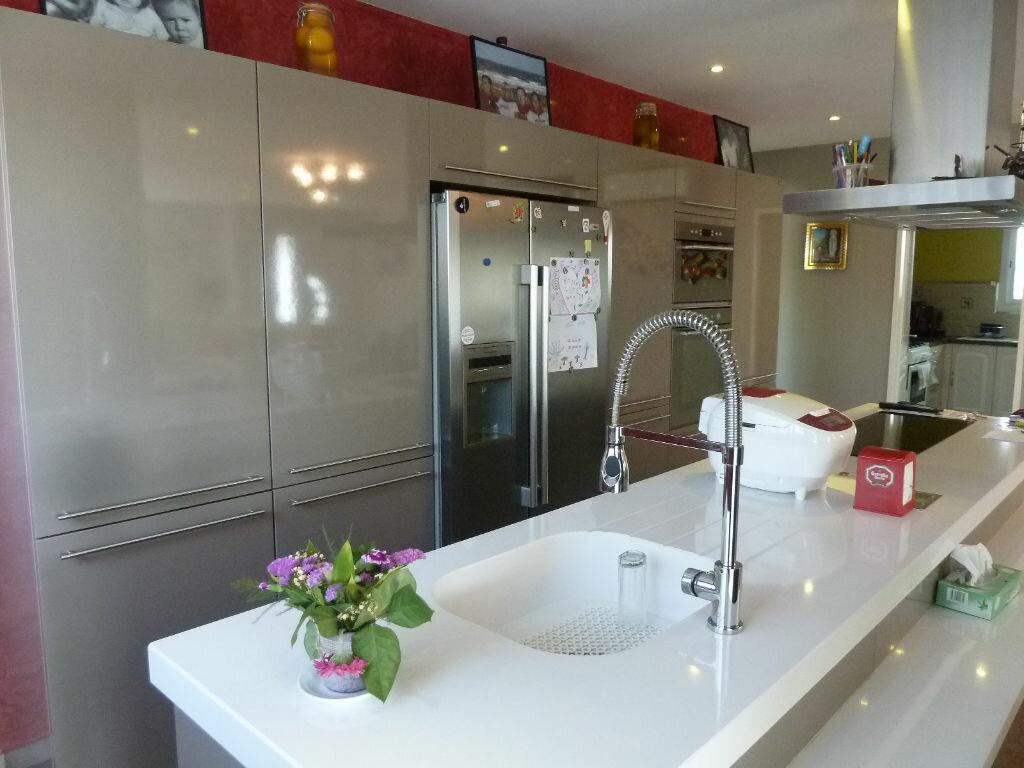 Maison à vendre 4 134m2 à Saint-Julien-en-Born vignette-6