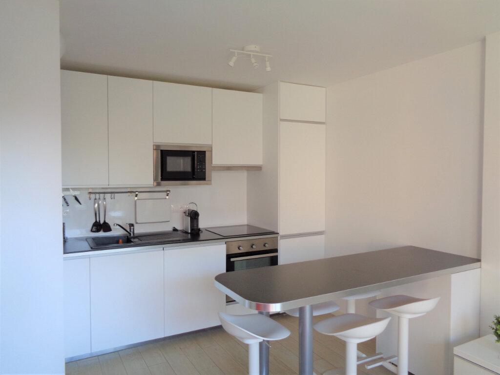 Appartement à vendre 2 39.6m2 à Saint-Julien-en-Born vignette-3