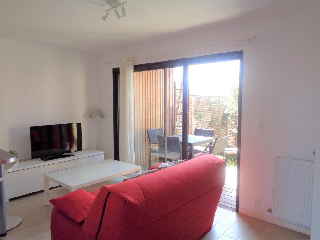 Appartement à vendre 2 39.6m2 à Saint-Julien-en-Born vignette-4