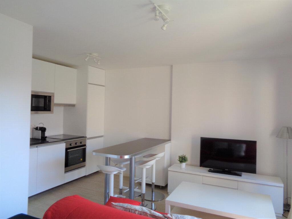Appartement à vendre 2 39.6m2 à Saint-Julien-en-Born vignette-5