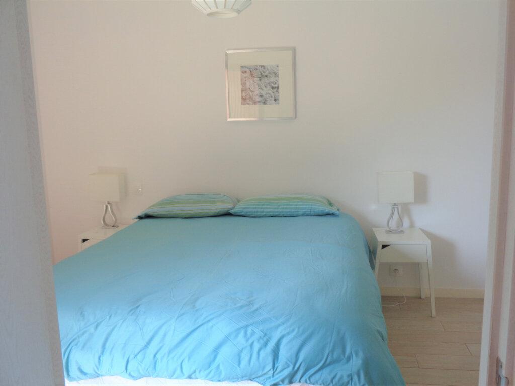 Appartement à vendre 2 39.6m2 à Saint-Julien-en-Born vignette-8