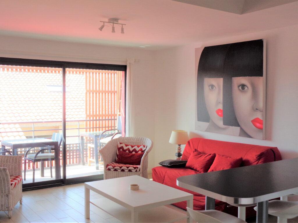 Appartement à vendre 3 65.8m2 à Saint-Julien-en-Born vignette-2