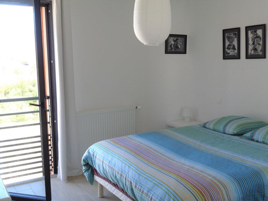 Appartement à vendre 3 65.8m2 à Saint-Julien-en-Born vignette-4