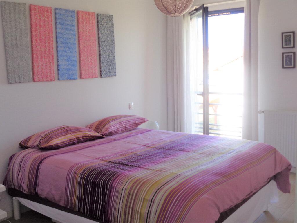 Appartement à vendre 3 65.8m2 à Saint-Julien-en-Born vignette-5