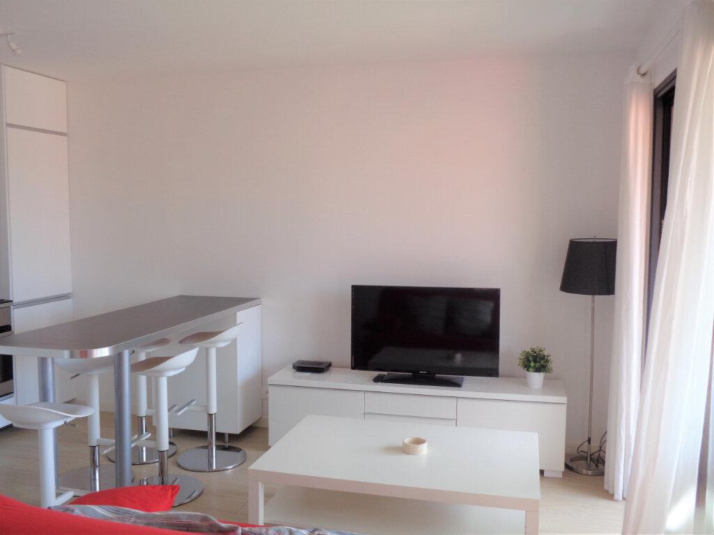 Appartement à vendre 2 40.5m2 à Saint-Julien-en-Born vignette-6