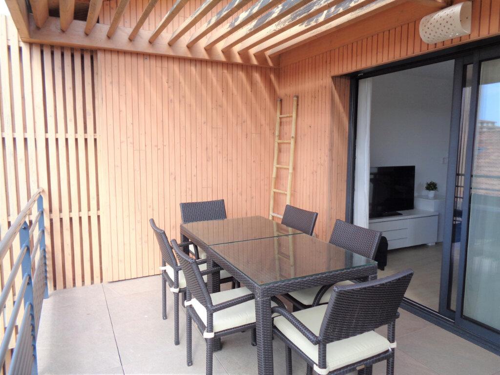 Appartement à vendre 3 65.3m2 à Saint-Julien-en-Born vignette-1