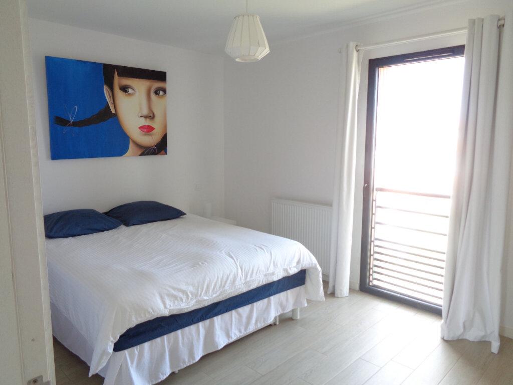 Appartement à vendre 3 65.3m2 à Saint-Julien-en-Born vignette-9