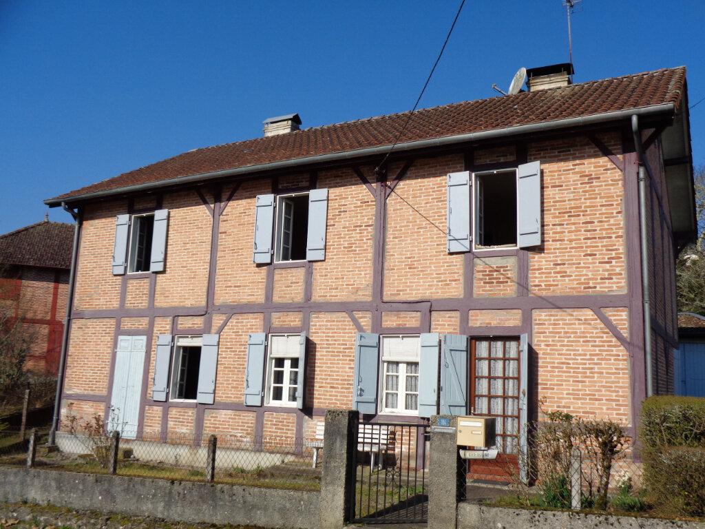 Maison à vendre 9 170m2 à Lesperon vignette-1