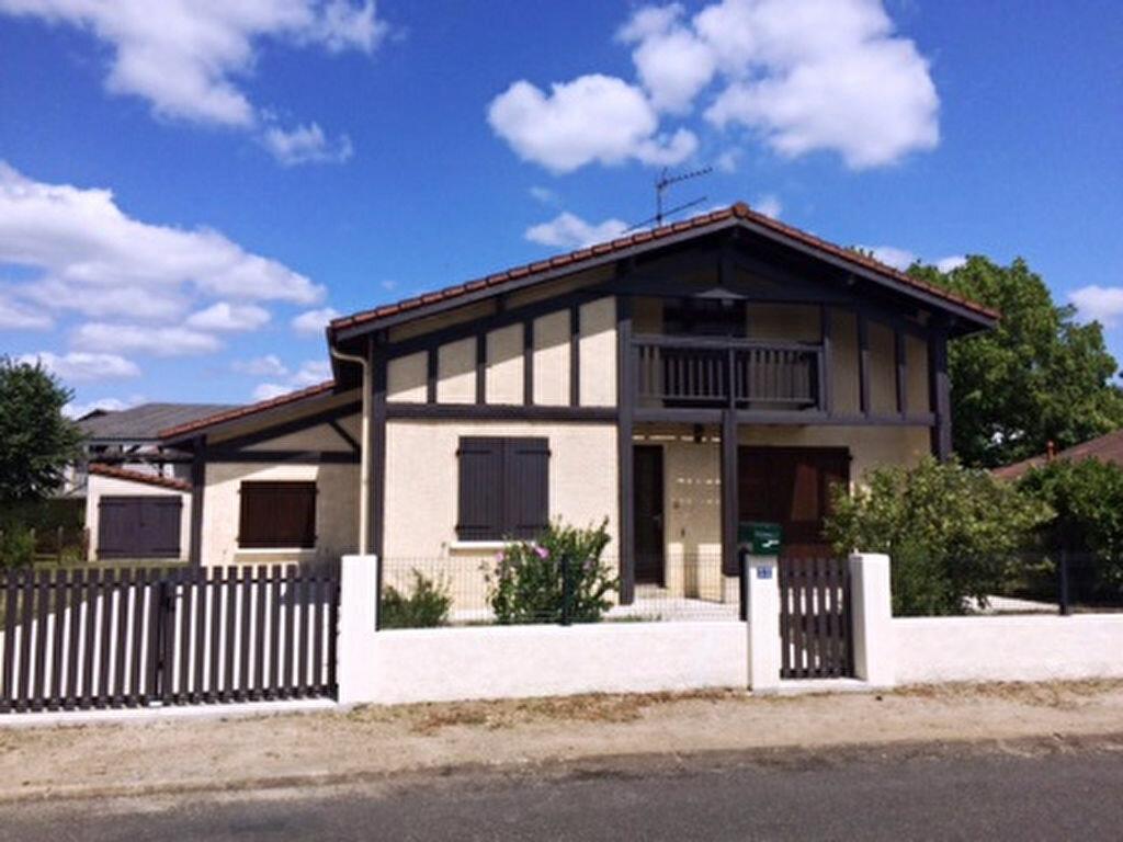 Maison à louer 6 139m2 à Mont-de-Marsan vignette-1