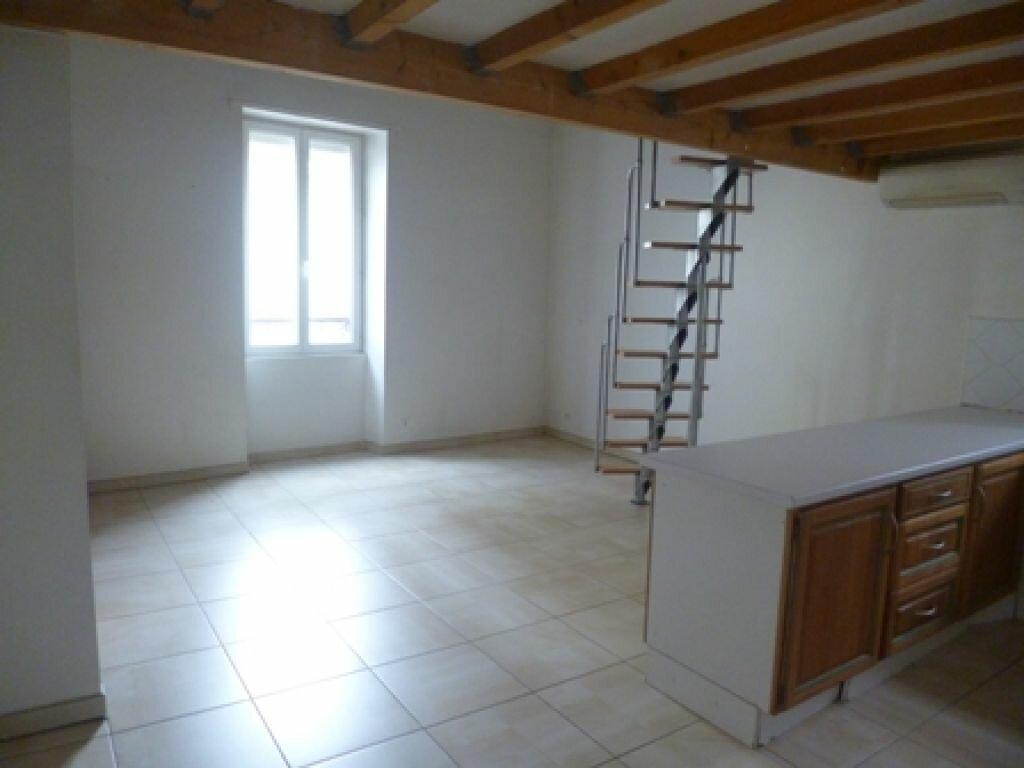 Appartement à louer 3 55m2 à Mont-de-Marsan vignette-2