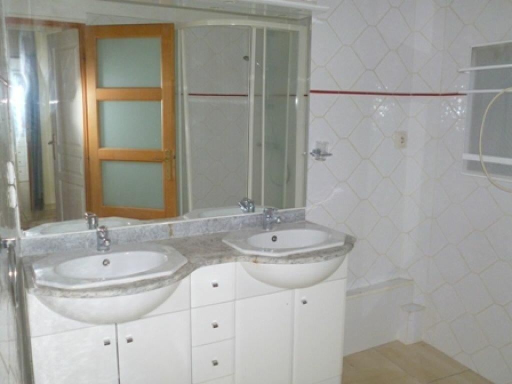 Appartement à louer 3 55m2 à Mont-de-Marsan vignette-5