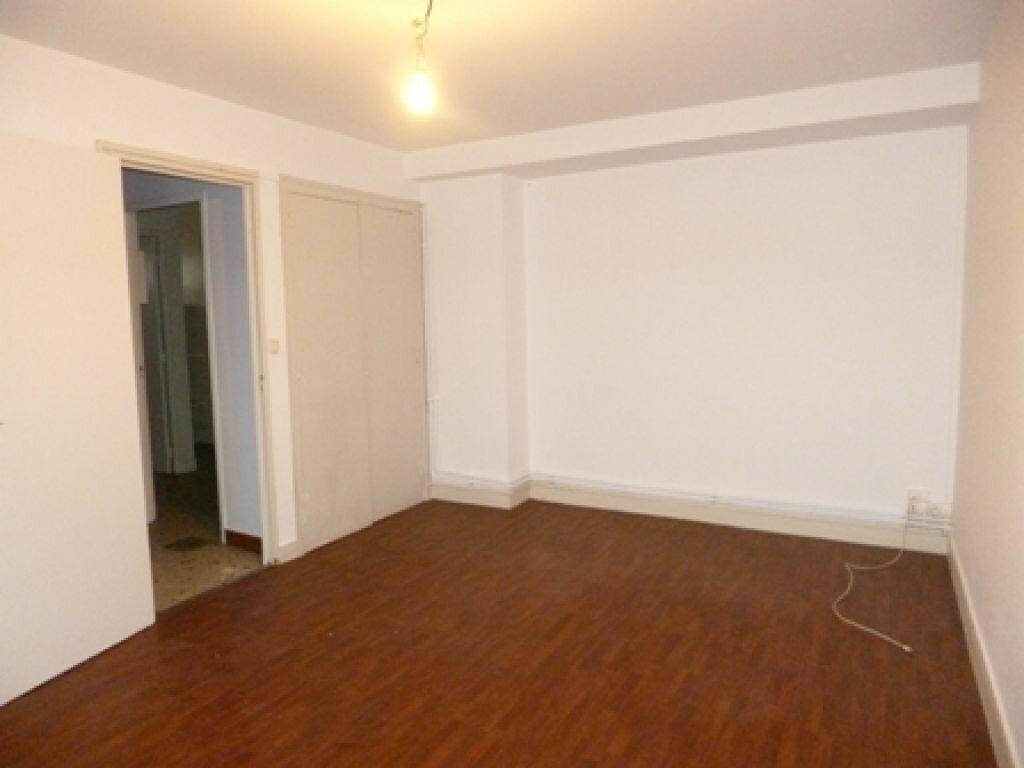 Appartement à louer 2 41.9m2 à Mont-de-Marsan vignette-1