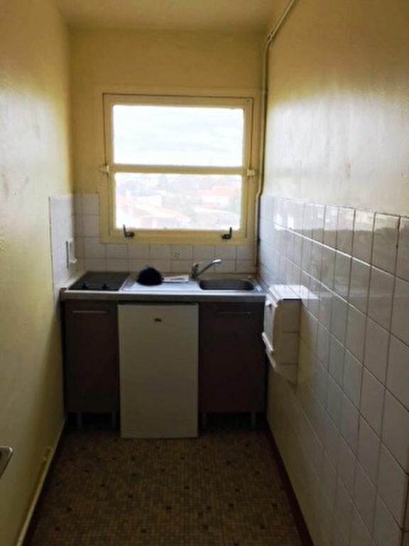 Appartement à louer 2 41.9m2 à Mont-de-Marsan vignette-2