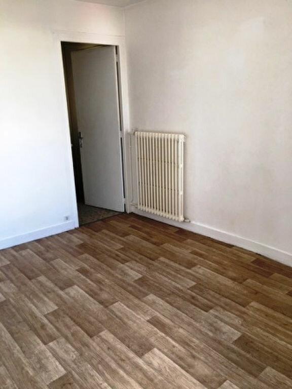 Appartement à louer 2 41.9m2 à Mont-de-Marsan vignette-4