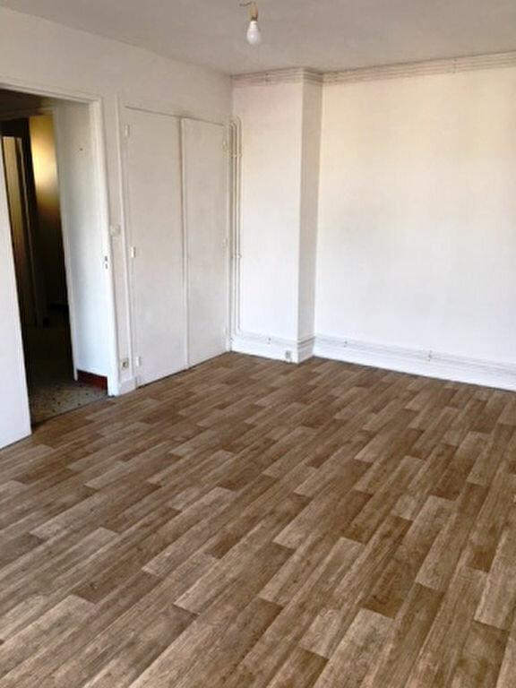Appartement à louer 2 41.9m2 à Mont-de-Marsan vignette-6