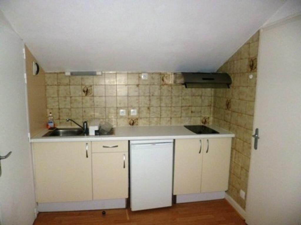 Appartement à louer 1 12m2 à Mont-de-Marsan vignette-2