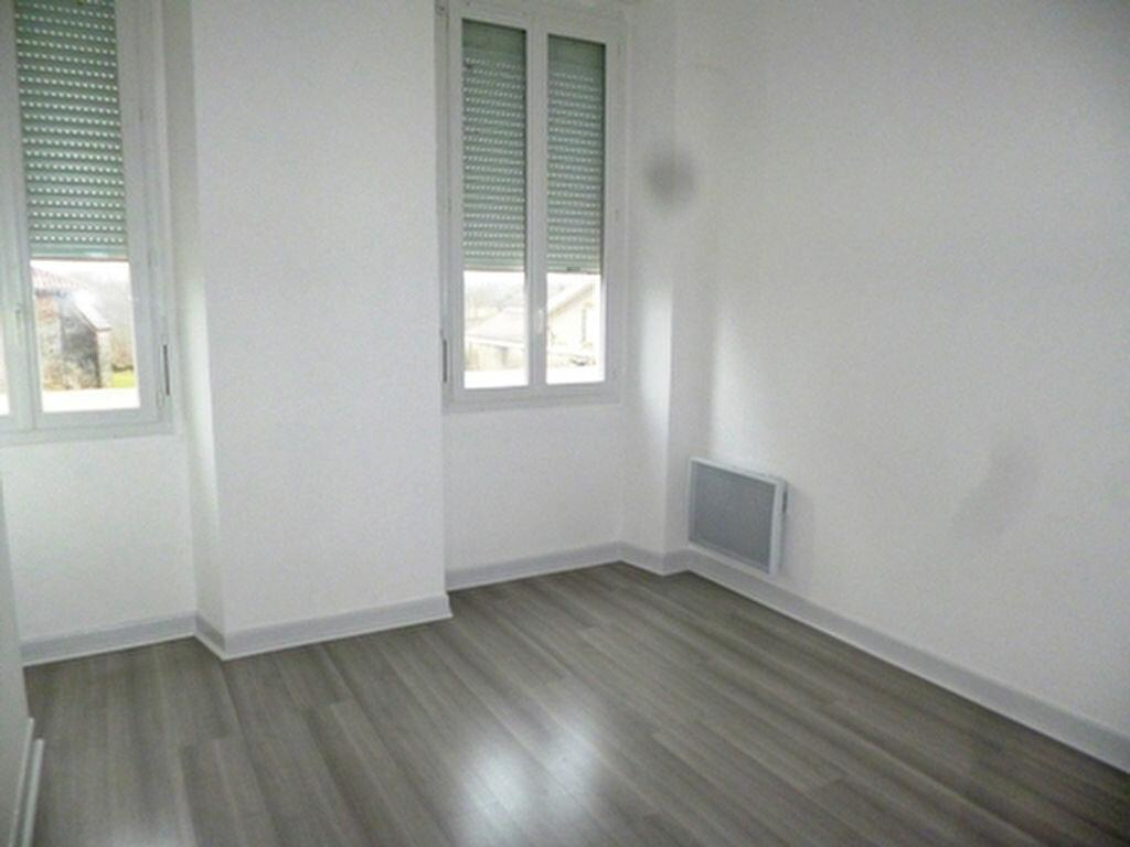Appartement à louer 3 61.5m2 à Villeneuve-de-Marsan vignette-3