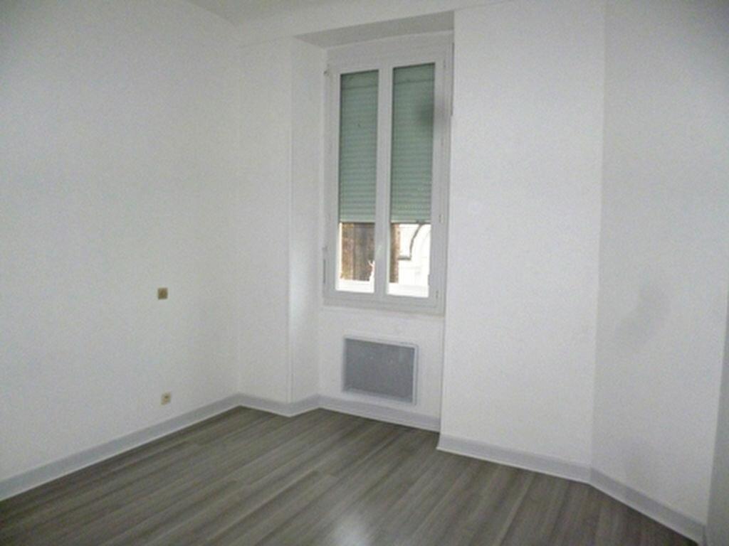 Appartement à louer 3 61.5m2 à Villeneuve-de-Marsan vignette-5