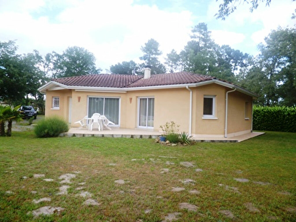 Maison à louer 6 121m2 à Uchacq-et-Parentis vignette-1