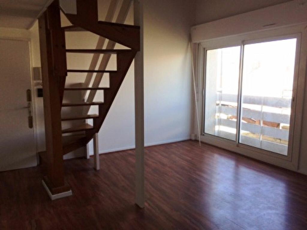 Appartement à louer 3 52m2 à Mont-de-Marsan vignette-1