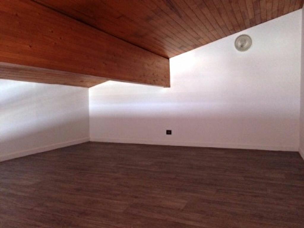 Appartement à louer 3 52m2 à Mont-de-Marsan vignette-4