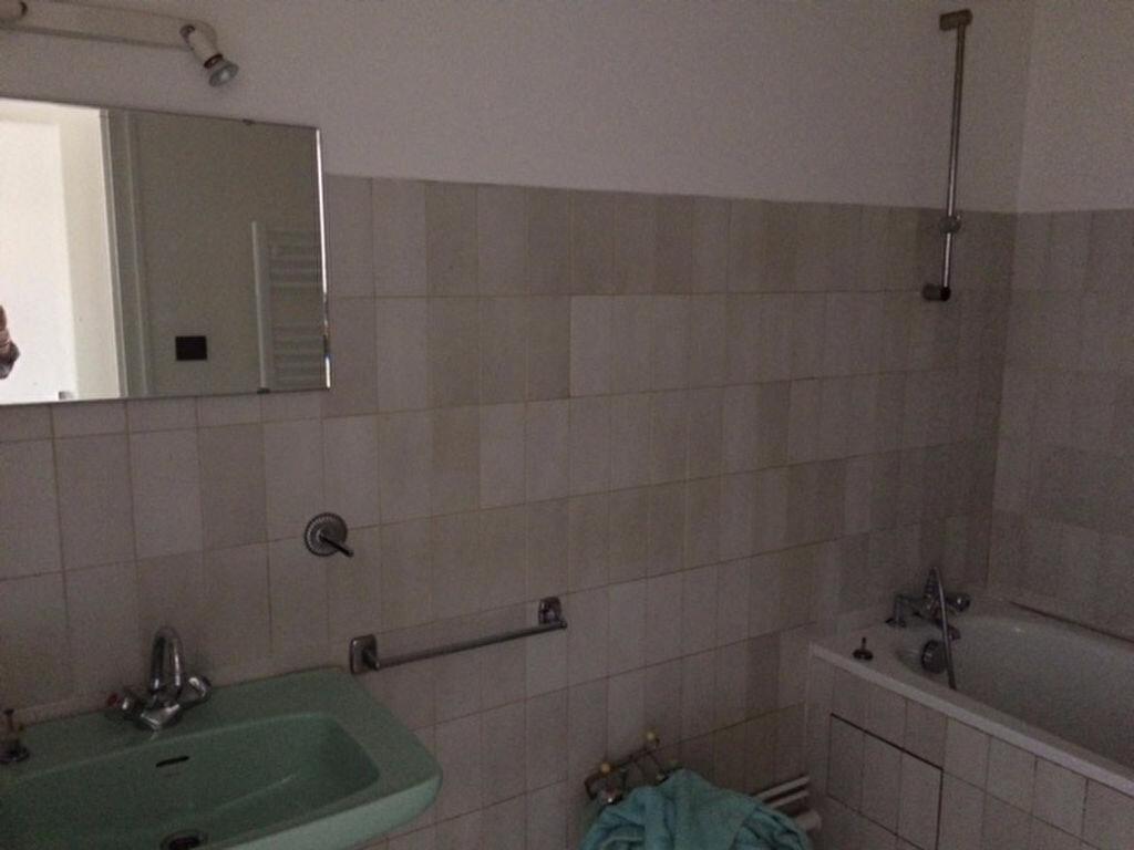 Appartement à louer 3 52m2 à Mont-de-Marsan vignette-6