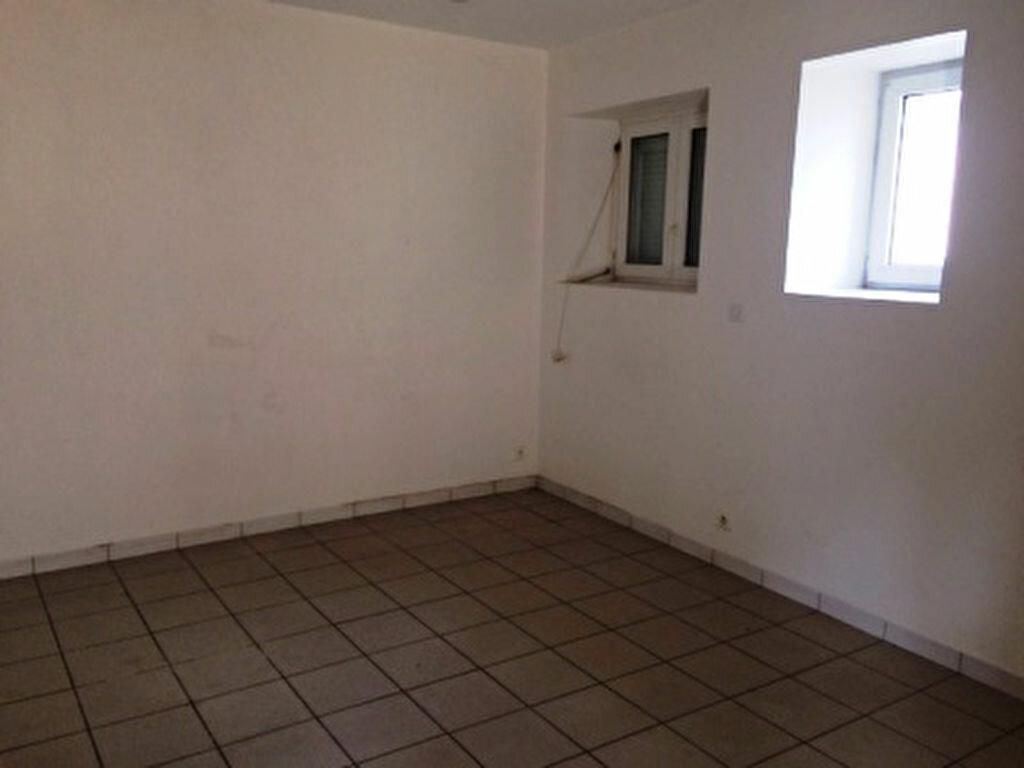 Appartement à louer 4 68.5m2 à Villeneuve-de-Marsan vignette-2