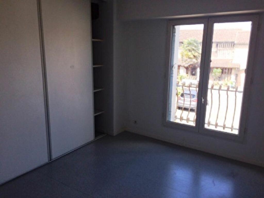 Appartement à louer 4 68.5m2 à Villeneuve-de-Marsan vignette-4