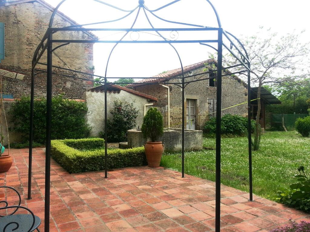 Maison à vendre 4 180m2 à Larrivière-Saint-Savin vignette-5
