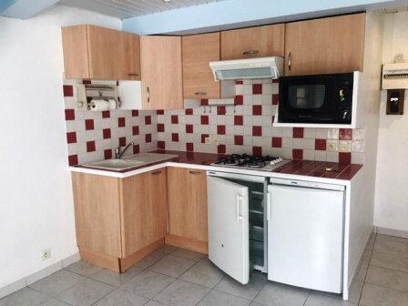 Appartement à louer 2 31m2 à Saint-Pierre-du-Mont vignette-2