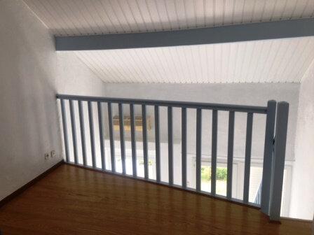 Appartement à louer 2 31m2 à Saint-Pierre-du-Mont vignette-7