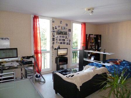 Appartement à vendre 1 29m2 à Mont-de-Marsan vignette-2