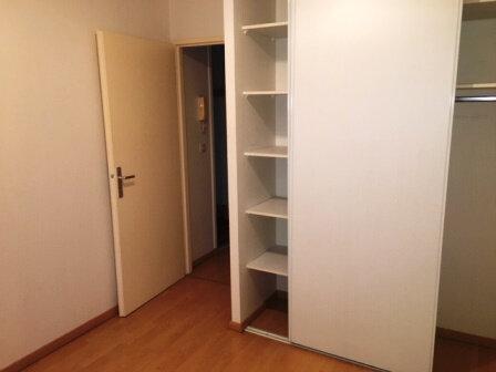 Appartement à louer 2 44.8m2 à Mont-de-Marsan vignette-3