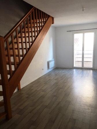 Appartement à louer 2 48.25m2 à Mont-de-Marsan vignette-1
