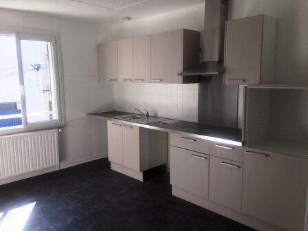Maison à louer 5 98m2 à Mont-de-Marsan vignette-1