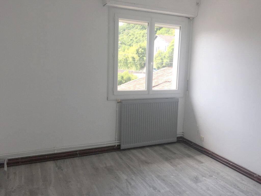 Appartement à louer 3 60m2 à Peyrehorade vignette-3